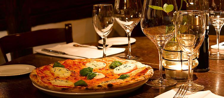 speisen mangia e bevi ristorante pizzeria und trattoria ihr italiener in stuttgart. Black Bedroom Furniture Sets. Home Design Ideas